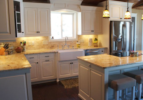 White painted kitchen cabinets made from solid wood by finewood Structures of Browerville, MN